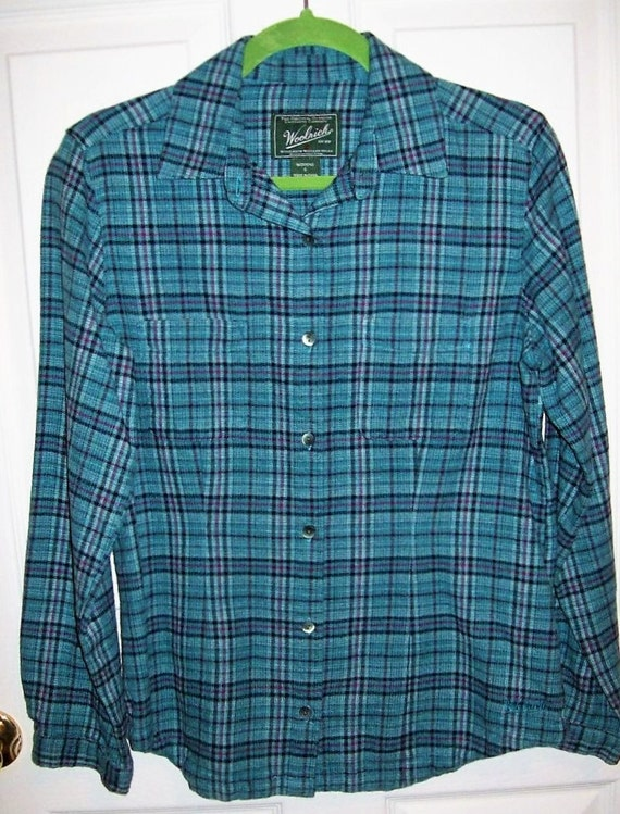 Green Flannel Shirt. The next stop in our journey across flannel shirts for men is the green flannel shirt. Inevitably associated with the lumberjack look, this shirt will be a great match to a full tokosepatu.gaing to think about in case you were thinking of growing one.