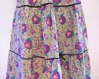 Vintage 1950's NOVELTY print Skirt FRUIT Plums Purple