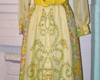 Vintage Dress 70s- Designer ALFRED SHAHEEN- Yellow Maxi Boho Hippie Dress- Sheer Sleeves- size Small