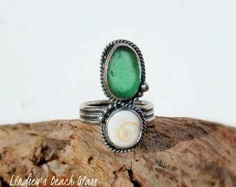 Hawaiian Kauai Rare Vibrant Teal Beach Glass with Operculum (Shiva's Eye) Set in 925 Sterling Silver Handcrafted Ring - Size 6