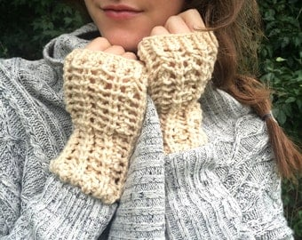 SALE: Lacy Knit Fingerless Gloves, Commuter Mitts / Lambs Wool Hand Warmers