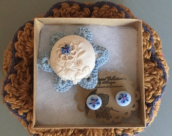 ivory and blue daisy brooch pin and earring set