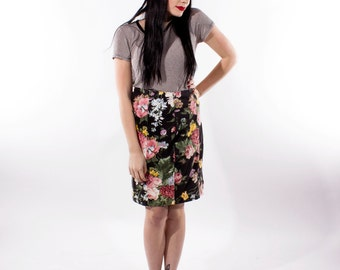 XMAS in JULY SALE : 1980s floral pencil skirt