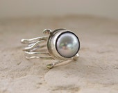 Pearl Ring - Bezel Band Grey  Pearl - Modern Art Jewelry  - 925 Silver - Handmade with Order