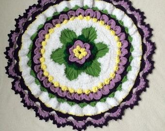Crochet  centerpiece with flowers