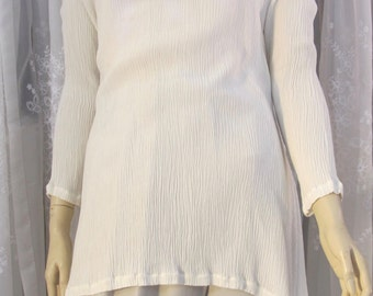 Vintage 80's women's ivory LS tunic top with shells and beads size M