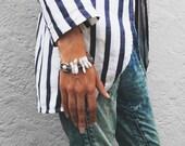 Pearl boho bracelet. Statement bracelet. Bohemian bracelet. Mother of pearl bracelet. Pulsera con perlas. Nácar. Brutal bracelet. Gypsy.
