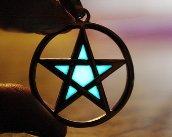 PENTACLE Necklace Stainless Steel GLOW in the DARK