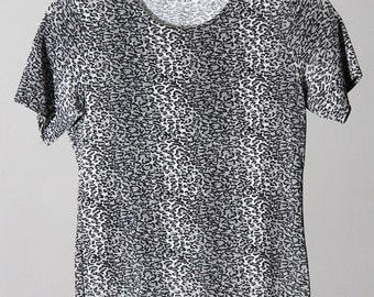 Stretchy Slinky Silver Grey Leopard Print Short Sleeved Shirt