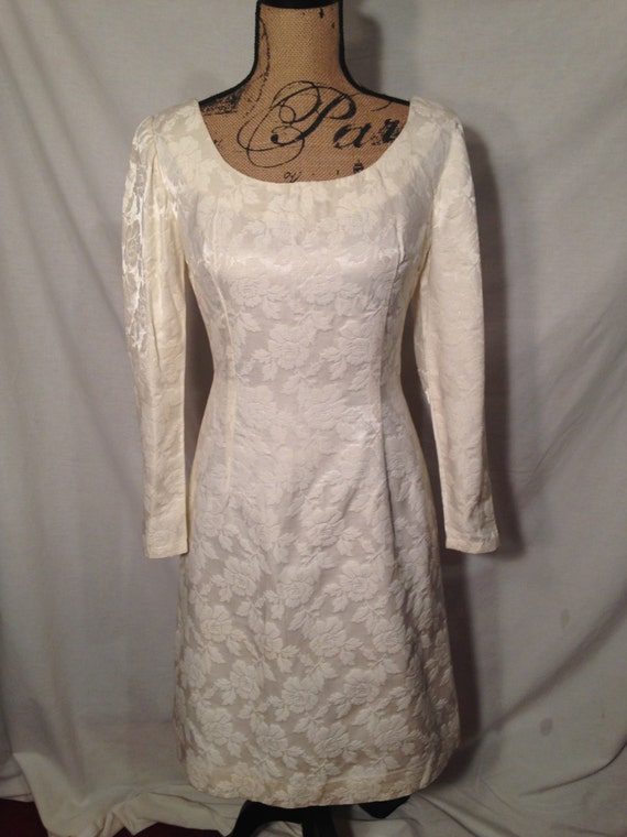 Vintage White Long Sleeve Dress with Roses Sale d47
