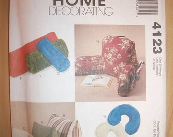 Uncut McCall's PATTERN 4123 Comfort Zone Pillows Home Decorating