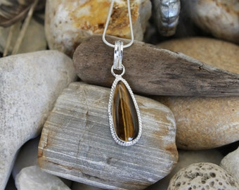 Reiki Attuned Tigers Eye Silver Pendant Necklace