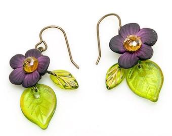 Purple Polymer Clay Flower Earrings, Green and Purple Flower Earrings, Green and Purple Leaf Dangle Earrings, Summer Jewelry, E237