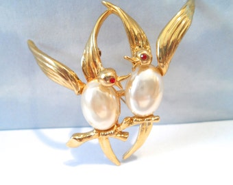 Vintage Figural Love Bird Brooch Gold Tone Brooch Faux Pearl Brooch Vintage Figural Jewelry Bird Jewelry 1940s 1950s Jewelry