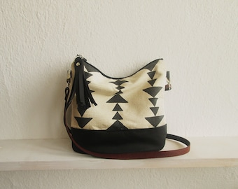 Aztec print crossbody bag, Messanger bag, Black and white, Canvas and Leather bag, Triangle print, Aztec, Navajo, Tribal print, Tassels