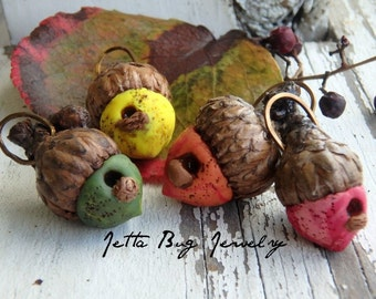 Acorn Birdhouse- polymer clay acorn- ONE- real acorn caps. Moss green. Pumpkin. Custard yellow.  Merlot. Rustic fall.  Jettabugjewelry