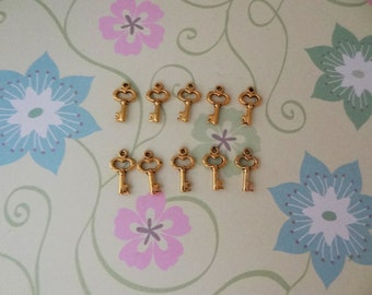 10, 25 or 50 pcs - Gold Key Charm