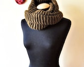 oversized chunky knit infinity scarf/shawl in brown 100% wool, wide and long, warm and elegant, for men and women, classic