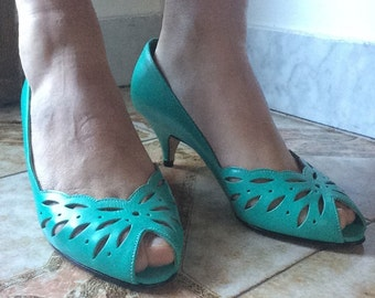 Vintage,  Leather, Never worn, Sea green, Peep toe pumps, size 8.5