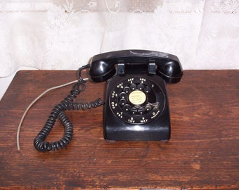 Vintage Western Electric Bell System black rotary dial phone telephone