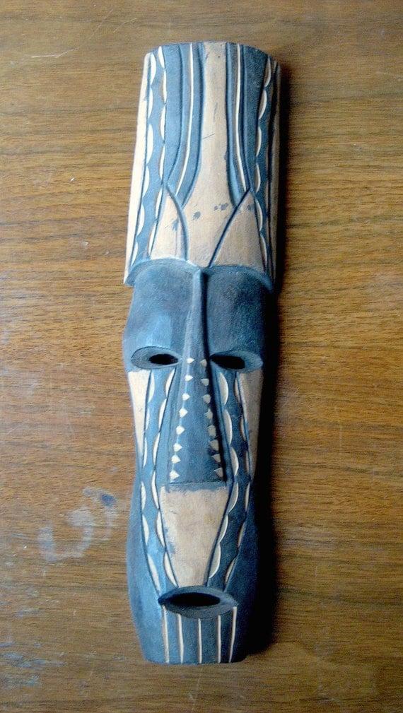 carved wooden face mask long narrow display mask vintage. Black Bedroom Furniture Sets. Home Design Ideas