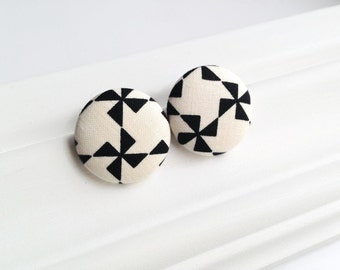 Pinwheel earrings black and white - Fabric covered button studs monochrome - Geometric jewelry - Jumbo button earrings - Post earrings