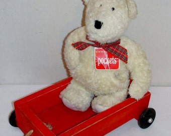 1990 Pockets Teddy Bear with Red Wagon