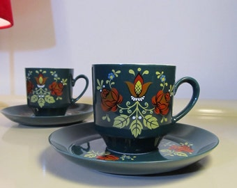Pair of Vintage Teacup Coffee and Saucer Rosa Bavaria Dorzellan Germany in Green color