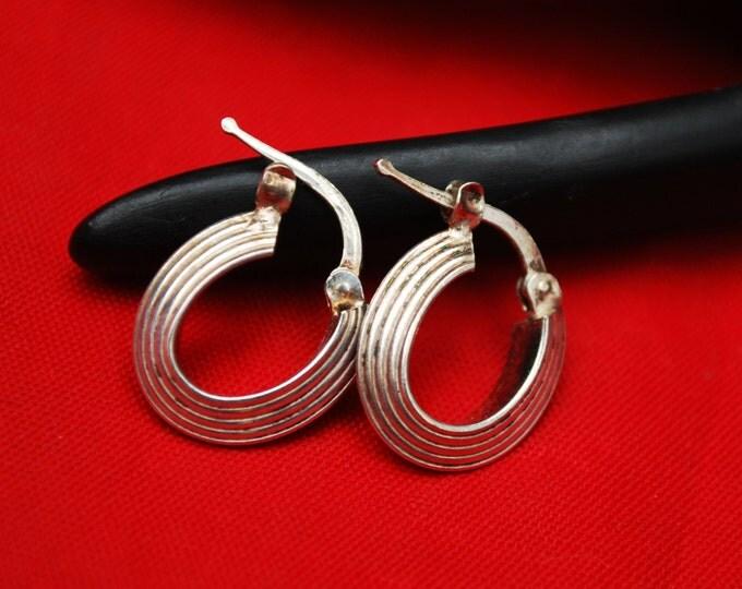 Small Sterling Hoop Earrings- Signed Italy - ribbed sliver hoops - pierced earrings