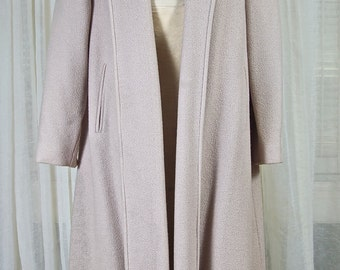 Ladies biege, notched collar swing coat