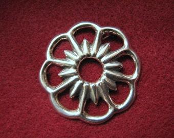 "Vintage NAVAJO SANDAST Floral Brooch in Sterling Silver -- 16 Grams, 1-3/4"" Diameter, Excellent Condition"