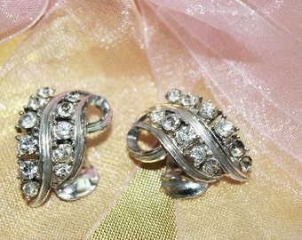 SALE! Charming Vintage Designer Runway Couture Rhinestone Textured Earrings E3