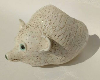 Pottery Salt Pig Hedgehog Cellar Comes with Wooden Spoon in Uk Wedding Gift Idea Kitchen Decor Rustic Animal Pottery Pottery