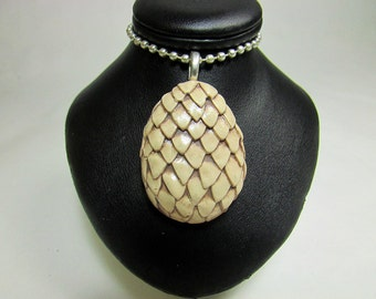 Dragon Egg Pendant 100% handmade necklace made with cream polymer clay. Inspired by Daenerys, Game Of Thrones,