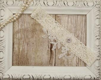 Light Ivory Lace Wedding Garter, Ivory Lace Garter, Toss Garter, Keepsake Garter, Bridesmaid Gift, Prom, Wedding Gift