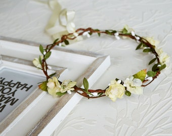 Flower Crown, Ivory Hair Wreath, Bridal headpiece,  Wedding Hallo,  Flower Headpiece, Ivory Crown, Berry Headpiece, Woodland crown