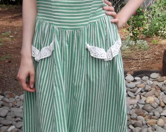 VINTAGE GREEN STRIPE 1950's Dress Buttons Beach Size Medium