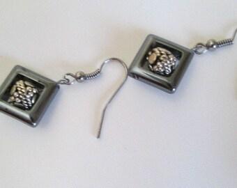 DIAMOND-SHAPED BLACK Earrings