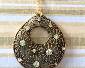 Flower Jewelry - Flower Necklace - Flower Jewelry in Handmade - Flower Necklace in Handmade - Rhinestone Flower - Flower Pendant Necklace