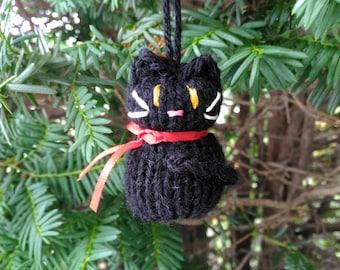 Small Black Cat Ornament, Handmade Knit, Hanging Decoration, Halloween Decoration, Christmas Tree Trim, Rustic Decor, All Year Decoration
