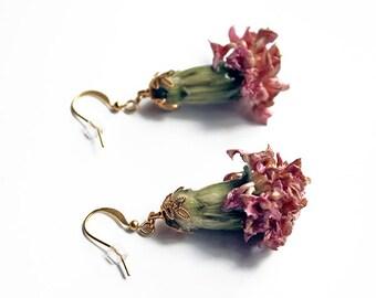 Real flower earrings, flower earrings, resin jewelry, real flower resin earring, mothers day carnations, gift for her, bridesmaid gift