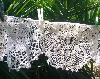 4 Vintage Lace Doily Hand Crocheted White French Cotton Handmade Filet Sewing Project #sophieladydeparis