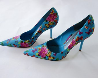 1990s pointed toe heels, blue floral butterly heels, pumps size 6