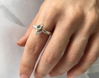 small shell stacking ring