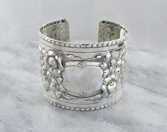 Repousse Roses, Vintage Sterling Silver Cuff  8FRXET-N