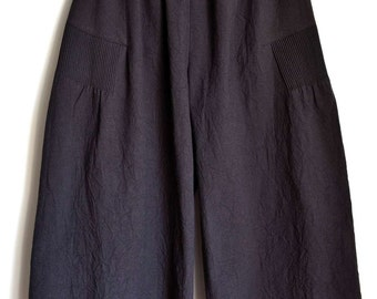 Wide Pants with Pintuck detail