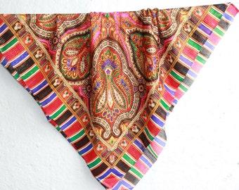 shawl ... vintage shawl ... scarf ... retro headscarf ... kerchief ... babushka