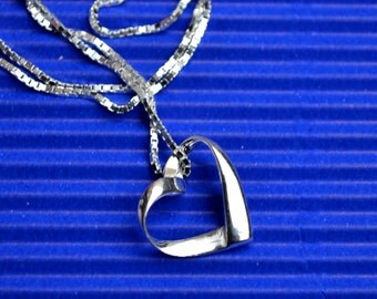 Simple heart pendant necklace sterling silver