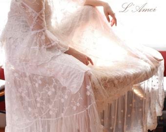Custom Made Vintage Style Long Sleeve Lace Wedding Dress Gown for Boho Wedding