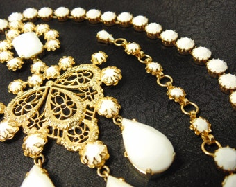 Vintage Couture Schreiner Milk Glass Pendant Necklace / Brooch, Choker, Unsigned